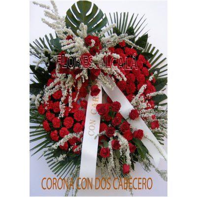 Corona Clasica con 2 cabeceros con Rosas Rojas y base de Clavel Rojo