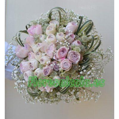 Ramo de Novia en tonos Lilas con Rosas de Jardin y Flores Silvestres